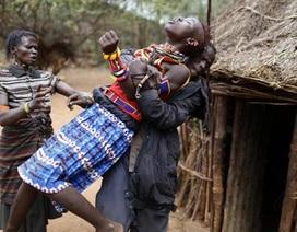 Tục bắt vợ ở Kenya khiến các cô gái trẻ sợ chết khiếp