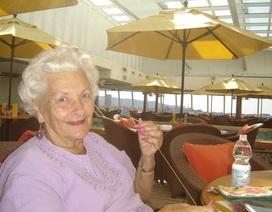 Gặp cụ bà chịu chi hàng trăm nghìn đô la mỗi năm để du ngoạn trên tàu