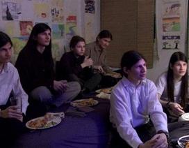 7 anh em 14 năm xa lạ với thế giới bên ngoài