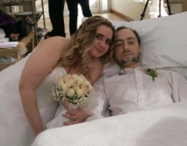 Làm đám cưới với chú rể những ngày cuối đời trên giường bệnh