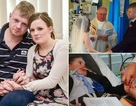 Kết hôn bên giường bệnh con trai nhỏ để hoàn thành tâm nguyện cuối