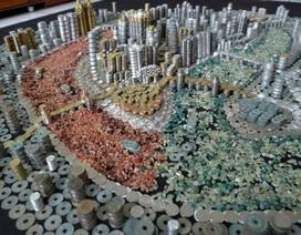 Mô hình thành phố làm từ hơn 50.000 đồng xu