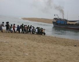 Cứu tàu mắc cạn, một ngư dân bị đứt lìa bàn chân