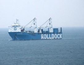 Video: Tàu ngầm Kilo Hà Nội tiến vào cảng Cam Ranh