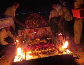 Thả hoa tưởng niệm liệt sĩ Trường Sa