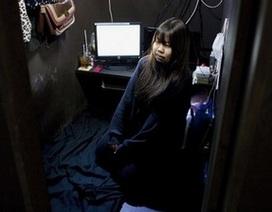 Cuộc sống của người vô gia cư Nhật Bản bên trong những quán café Internet