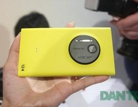"""Những smartphone """"khủng"""" bán tại VN nửa cuối 2013"""