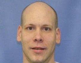 Bị bắt vì tự đăng ảnh truy nã của chính mình lên Facebook