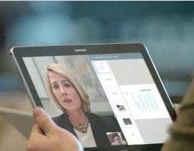 """Samsung tung loạt clip quảng cáo """"dìm hàng"""" iPad của Apple"""