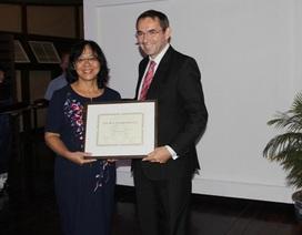 2 nhà giáo Việt Nam được Pháp trao Huân chương Cành cọ Hàn lâm