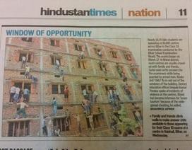 """Ấn Độ: Phụ huynh """"vượt khó"""" trèo tường """"gà"""" bài cho con"""
