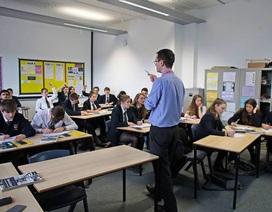 Anh: Báo động tình trạng 17.000 giáo viên không đạt chuẩn