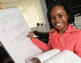 Anh: Cô bé 10 tuổi trở thành sinh viên đại học