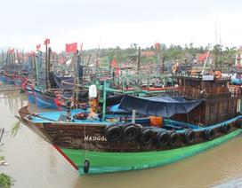 Lai dắt tàu không số cùng 3 người Trung Quốc trôi tự do trên biển