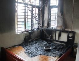 Khu dân cư hoảng loạn vì nhà trọ bốc cháy dữ dội