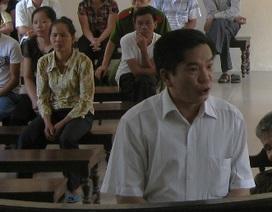 Y án 15 năm tù với nguyên chủ tịch xã bán đất công bỏ túi tư