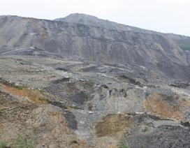 Núi phế thải đang có nguy cơ sạt lở tiếp