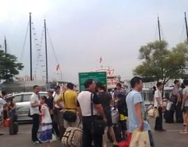 Đưa khẩn cấp 1.000 du khách từ đảo Cô Tô vào đất liền chạy bão