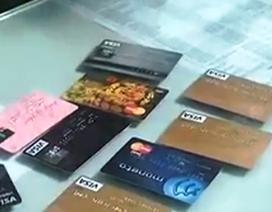 Chiếm đoạt hàng tỷ đồng bằng thủ đoạn buôn bán thông tin thẻ tín dụng