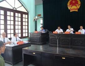 """Vụ dân kiện chủ tịch huyện: Chính thức kết luận thẩm phán tự vẽ ra """"bản án ma"""""""