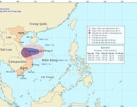 Bão số 8 áp sát ven biển miền Trung