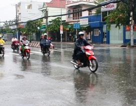Hà Nội tiếp tục mưa, nồm