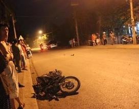 Học sinh lớp 9 lái xe máy lao vào ô tô tử vong