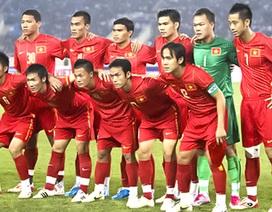 """ĐT Việt Nam vẫn """"giậm chân"""" tại vị trí 146 thế giới"""