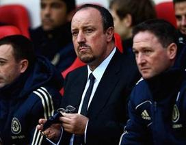 """Benitez nổi khùng với các học trò vì """"đánh rơi"""" 2 điểm"""