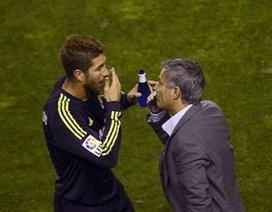 Sergio Ramos mong HLV Mourinho ở lại Real Madrid