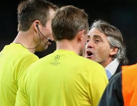 """Mancini là """"thủ phạm"""" đẩy một trọng tài tới quyết định…giải nghệ"""