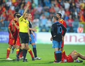 Đội trưởng Montenegro chế giễu tính nóng nảy Rooney