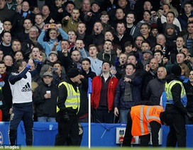 Lampard, Terry bị ném đồng xu, cảnh sát vào cuộc