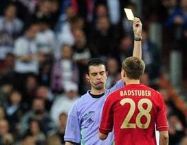 """""""Thần may mắn"""" của Barcelona cầm còi trận đấu với Bayern Munich"""