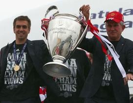"""Bayern Munich được chào đón như những """"ông vua"""" tại quê nhà"""