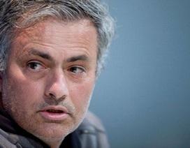 Mourinho bất ngờ chúc mừng chức vô địch của Barcelona