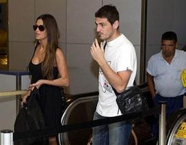 Thủ thành Iker Casillas sướng phát điên vì sắp lên chức cha