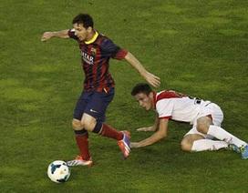 Messi bị tố từ chối bắt tay đối phương