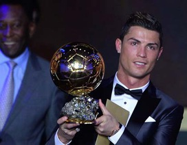 """C.Ronaldo suýt """"tái duyên"""" với MU mùa Hè qua"""