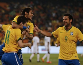 """Neymar lập hattrick, Brazil """"nghiền nát"""" chủ nhà Nam Phi"""