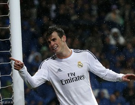 Siêu phẩm solo từ sân nhà của Gareth Bale