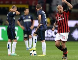"""""""Quái thú"""" De Jong nổ súng giúp AC Milan vượt qua Inter"""