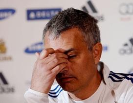 Mourinho bất an về tương lai ở Chelsea