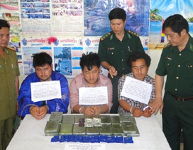 Lính đánh án ma túy mang quân hàm xanh