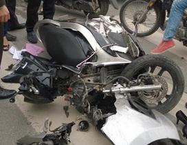 Đâm 3 xe máy khiến 5 người bị thương, tài xế bỏ trốn