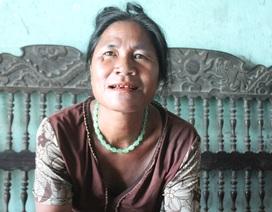 """Tộc người """"ngủ ngồi"""": Người phụ nữ gây """"chấn động"""" vì xin ra khỏi hộ nghèo"""