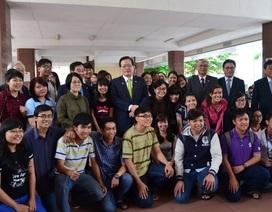 Chủ tịch Quốc hội Hàn Quốc giao lưu với sinh viên TPHCM
