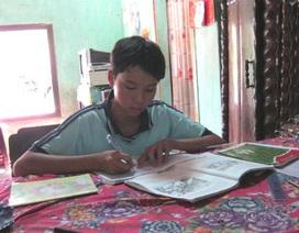 """Gặp hai học trò nghèo """"nổi danh"""" đất Phú Yên"""