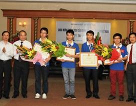 Thưởng nóng đoàn Olympic Tin học Việt Nam