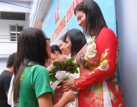 Xúc động buổi lễ tri ân và trưởng thành của học sinh lớp 12